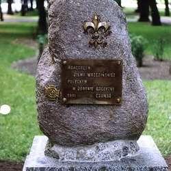 1991 - Odsłonięcie pomnika poświęconego harcerzom ziemi wrzesińskiej poległym w obronie Ojczyzny